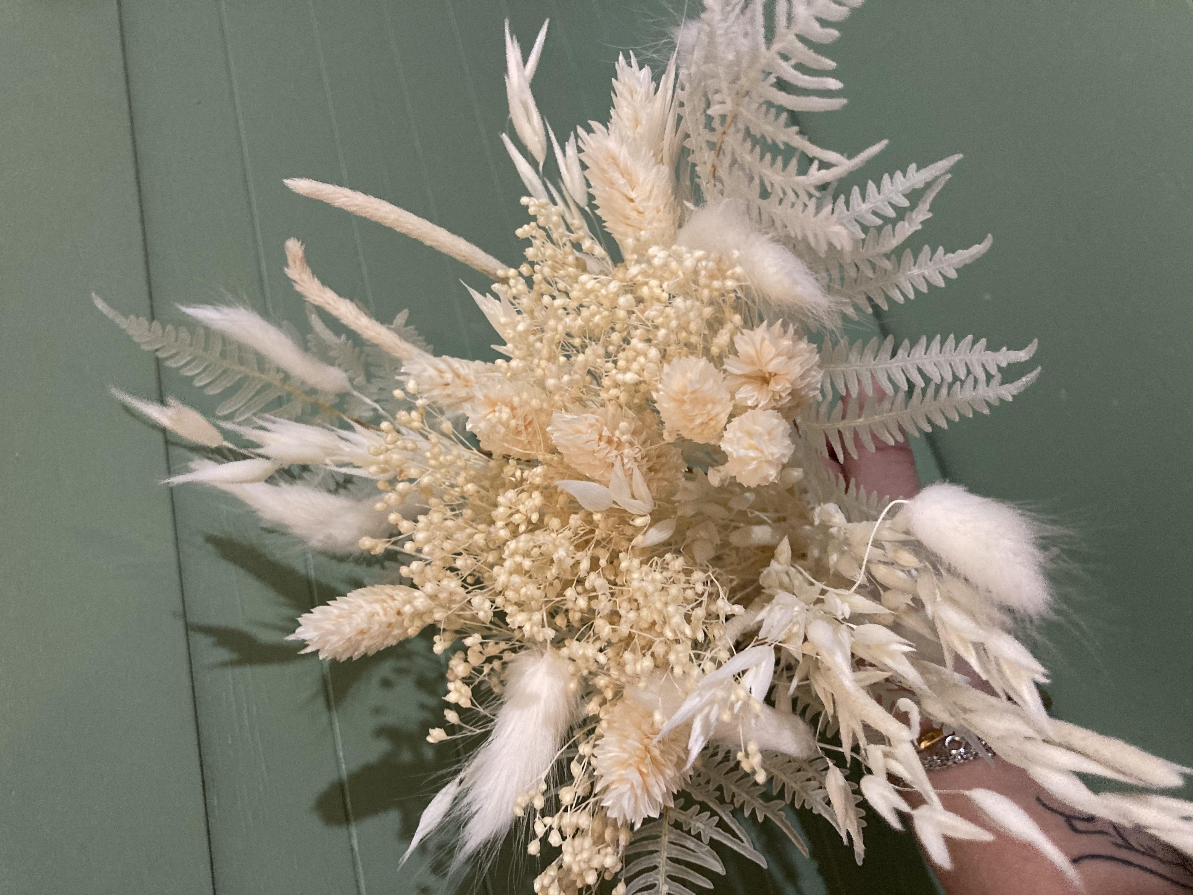 Créez vos propres compositions avec nos kits de fleurs séchés !